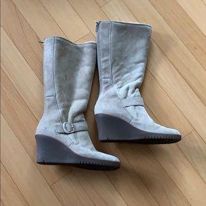 Ugg Boots tan color sheepskin lining